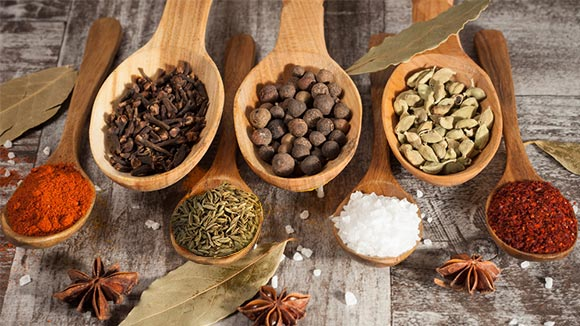 Essential spices for Sri Lankan cooking